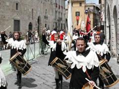 sfilata-in-costume-medioevale